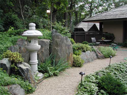 Designing Your Own Japanese Garden (14)